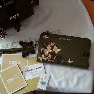 Michael Kors Double Zip Wristlet Butterfly Wallet